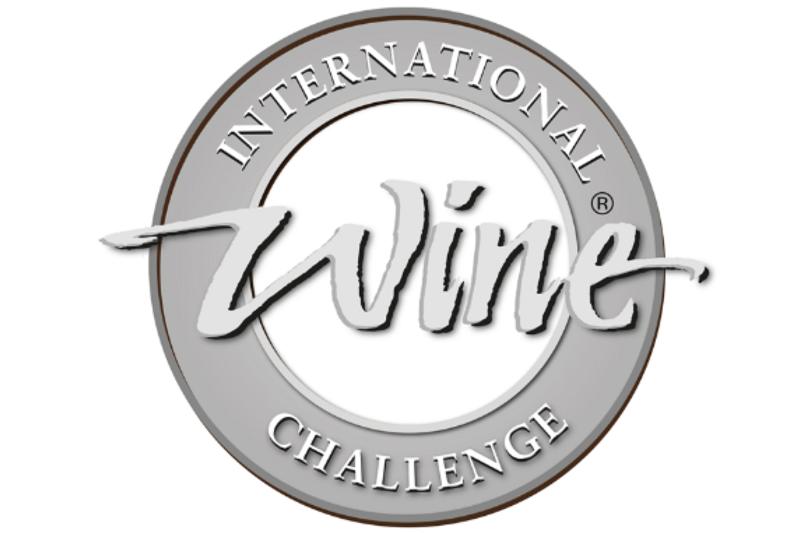 IWC2017「SAKE部門」で出品2点がメダルを獲得しました