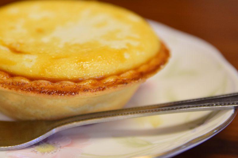 贅沢チーズで至福感♪ファミマの焼きチーズタルトとうま燗生酛