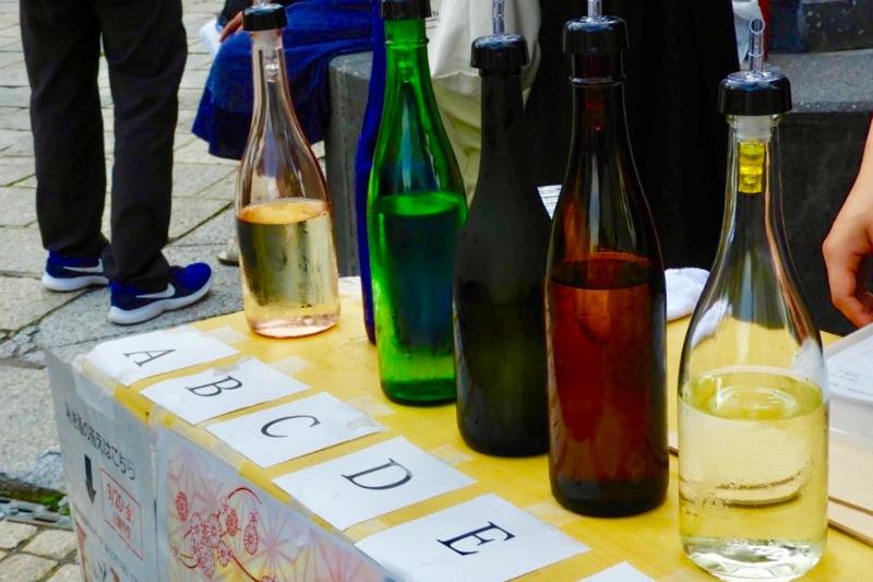 味覚が全てじゃない!瓶の色で変わる日本酒の味の感じ方