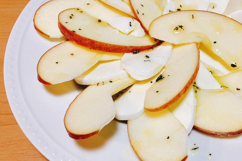 フルーティーなおつまみはいかが?「リンゴのカプレーゼ」